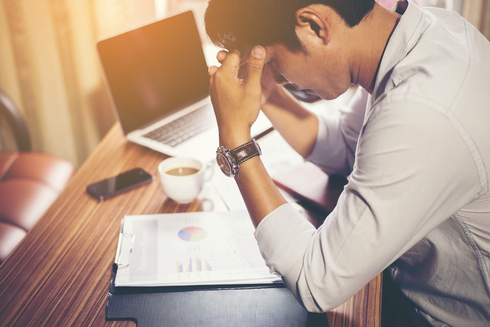 Bbe aware of ways to reduce office stress during a cash flow crisis, so your employees don't buckle under the pressure.